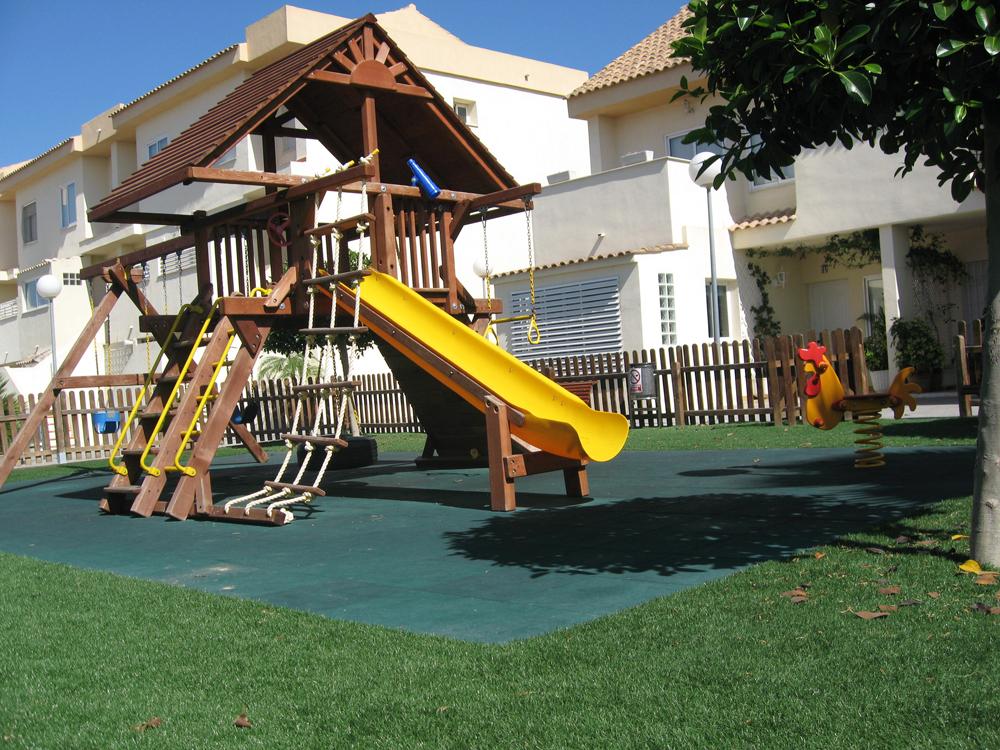 instalación de parques infantiles de exterior