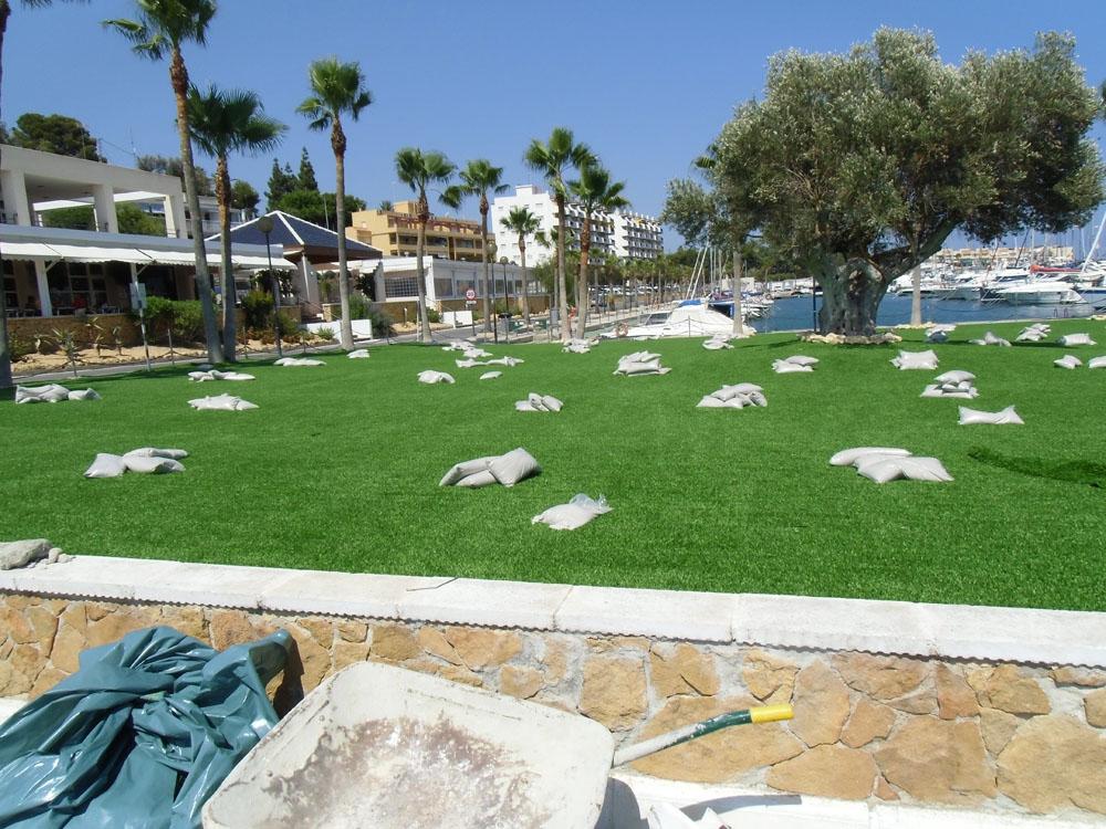 Entretien de jardins en gazon synth tique d coratif for Entretien de jardins
