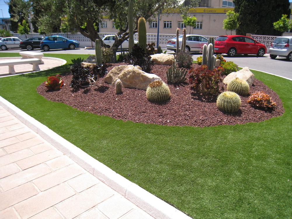 Jardines con c sped artificial verdepadel for Jardines sin cesped