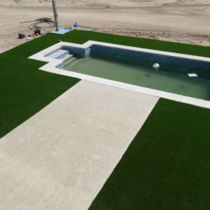 Jardines con Césped Artificial. Césped residencial piscina